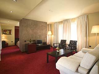 """Хотел Famous House, ул. """"Бетовен"""" 4, Пловдив"""