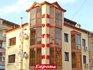 "Хотел Европа, бул. ""България"" 89, Попово"