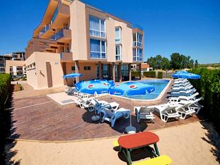 Хотел Роял Бийч, Царския плаж, до къмпинг Градина, Созопол