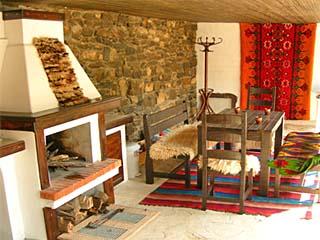 Къщата с халищата, Балканец