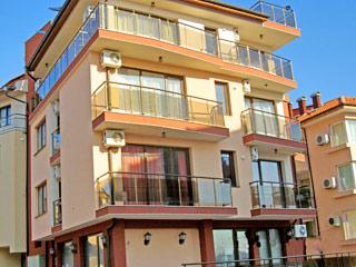 """Къща за гости Червено, ул. """"Одеса"""" 30а, Созопол"""
