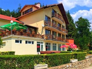 Хотел Хелиер, на 2 км от Якоруда по пътя за Банско, Якоруда
