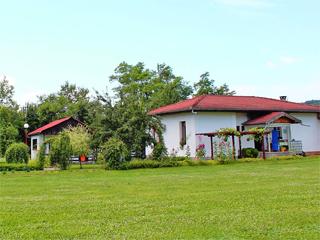 Бунгала Лъки, Долни Марян